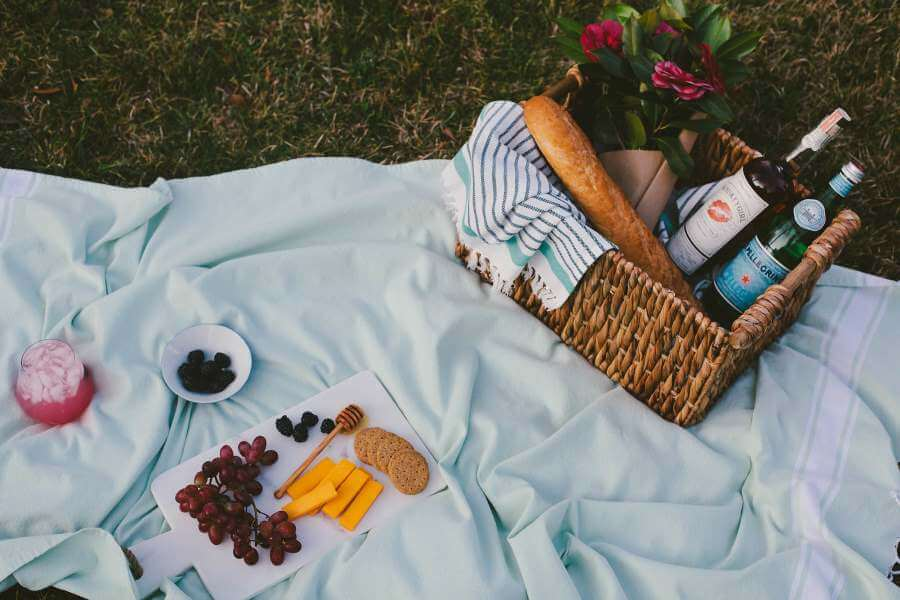 Pretty Picnic Ideas for Spring